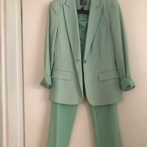 Beautiful New suit never worn